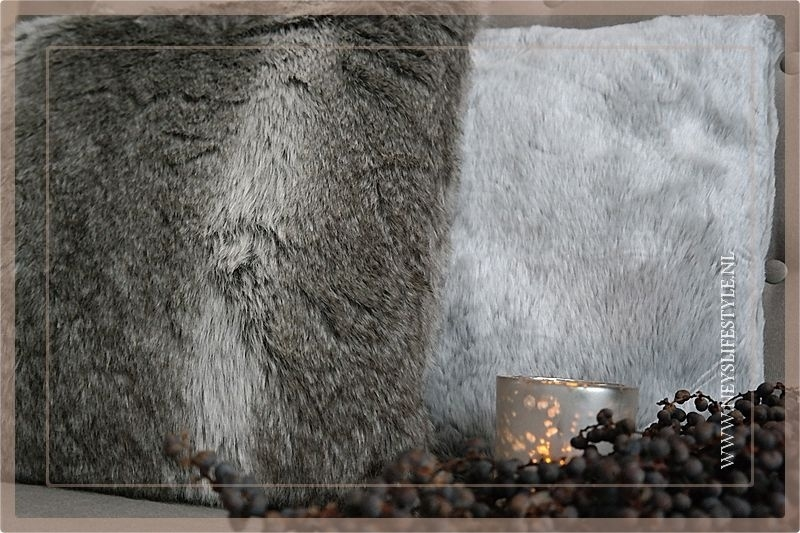 Kussen Bont 45x45 bruin   fake fur