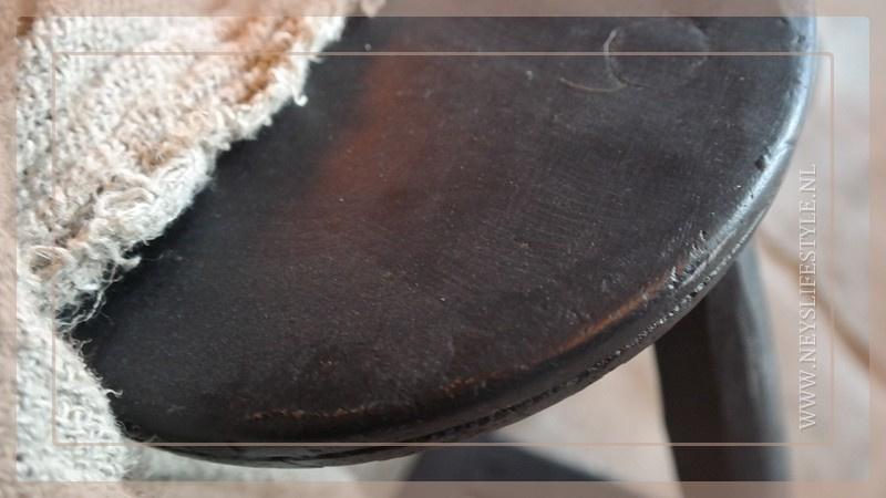 Houten kruk | black