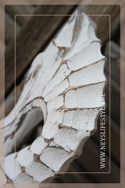 Zeepaard hout wit 50 cm