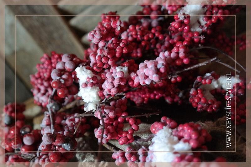 Rode bessen tak sneeuw | 70 cm