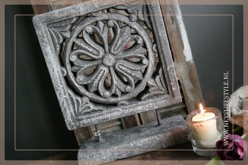 Ornament Square   grey