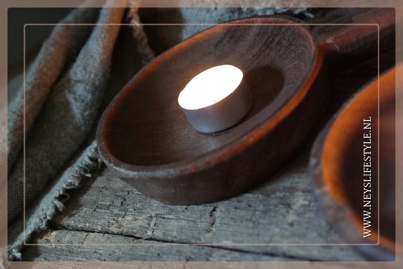 Oude houten lepel Raja   hout