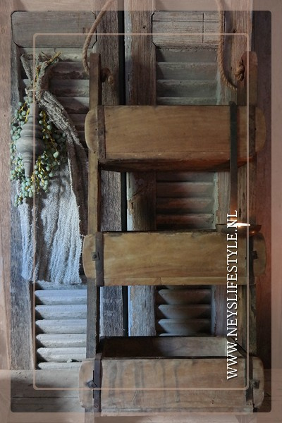 Ladder oude houten brickmall