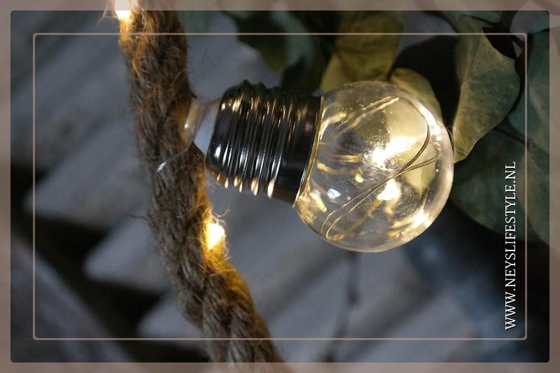 Touw LED met gloeilampjes   1,50 m