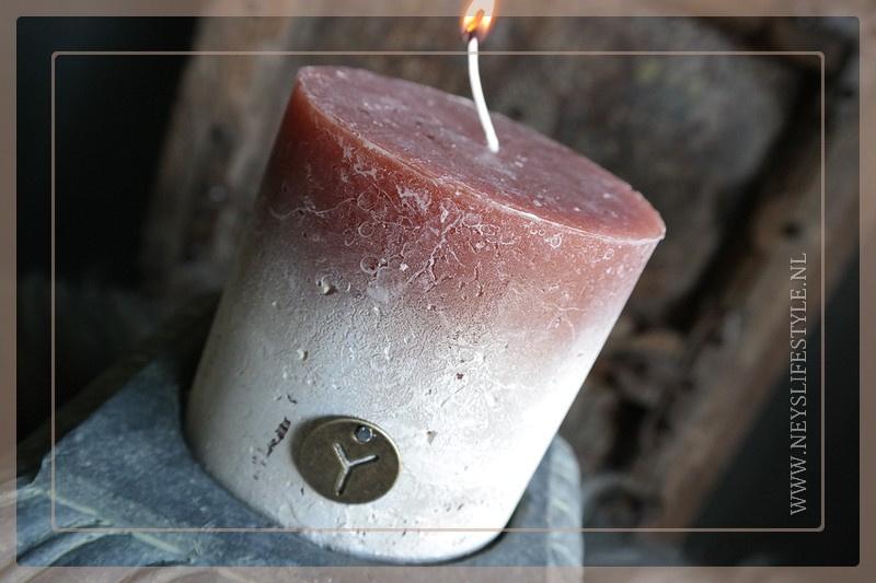 Kaars fading | cognac 10 x 10 cm