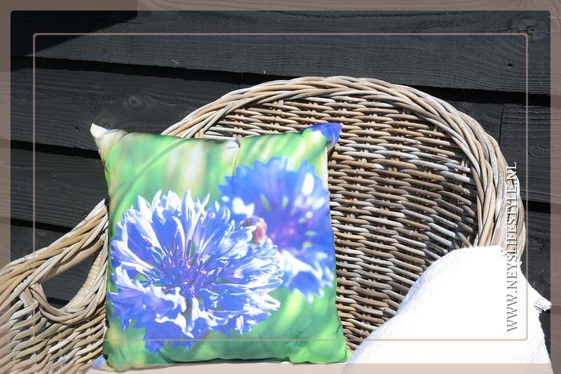 Buitenkussen bloem Purple | 40 x 40 cm