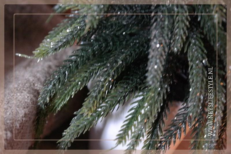Kerstboom in pot glitter   M
