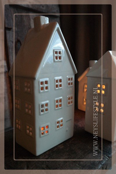 Set Houses | white