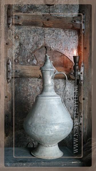 Antieke kan   zilver