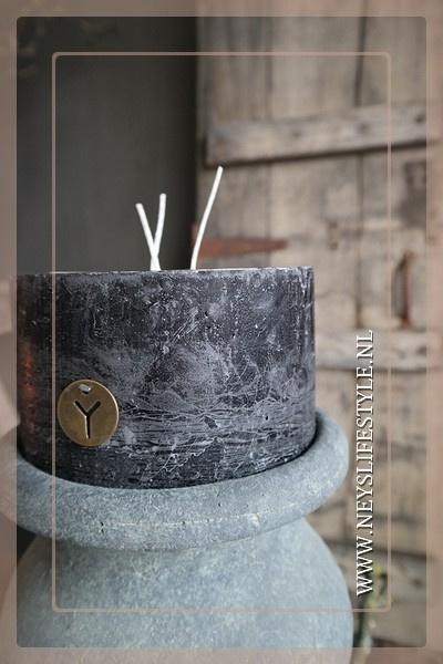 Kaars rustic 3 fuses   black 14 x 8 cm