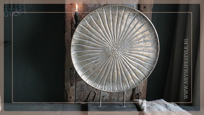 Ornament op voet Guus brons | M