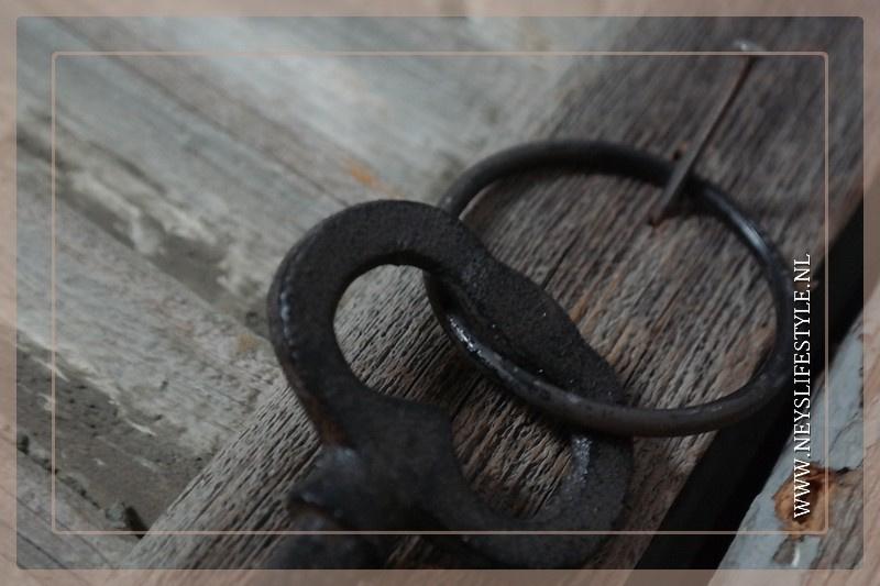 Sleutel kay | black