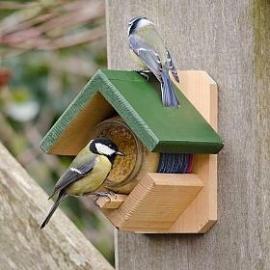 Houten Pindakaaspothouder vogelbescherming