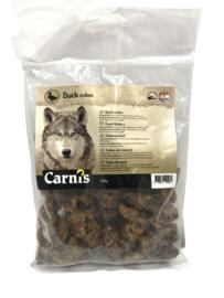 Carnis hondensnacks eendenvlees blokjes 200 gram.