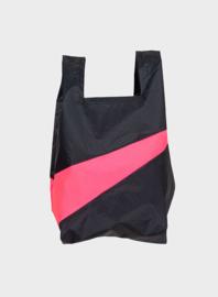 Susan Bijl the New shoppingbag Black & Fluo pink | Mt. S/M/L