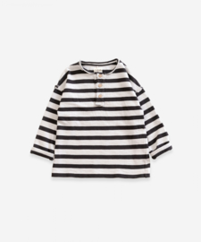 Play up sweater stripe met knoopjes