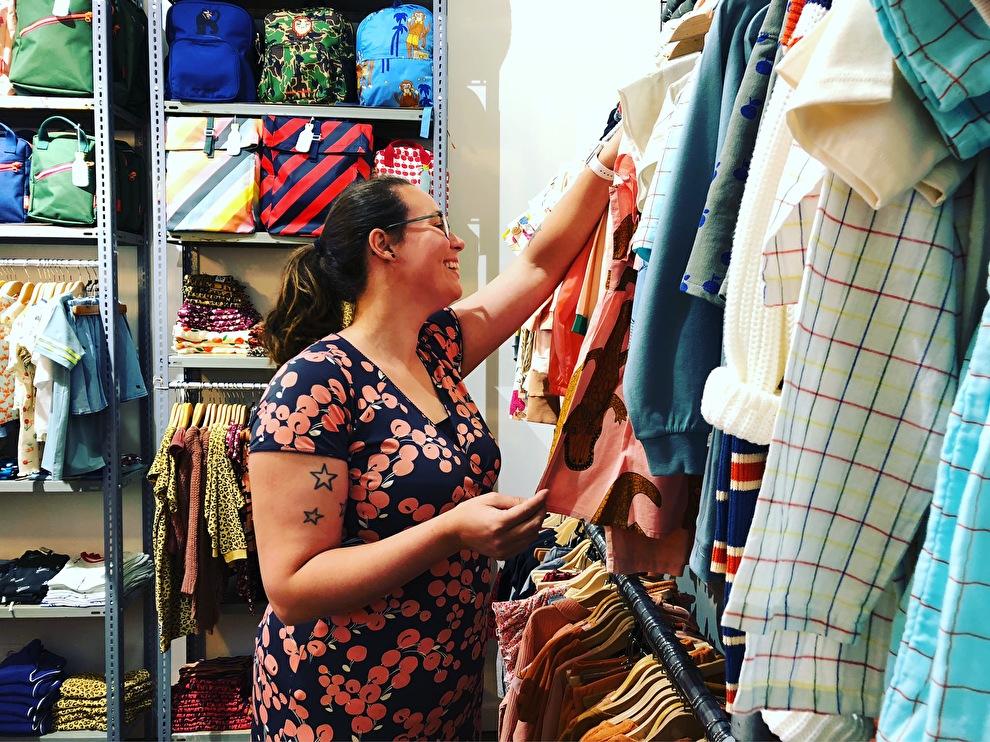 Laura - hulp in de winkel, kind zo blij
