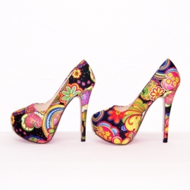 FLOWER POWER pumps maat 37 zwart (#1) bloemenprint