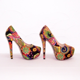FLOWER POWER pumps maat 38 zwart (#2) bloemenprint