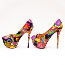 FLOWER POWER pumps maat 39 zwart (#1) bloemenprint