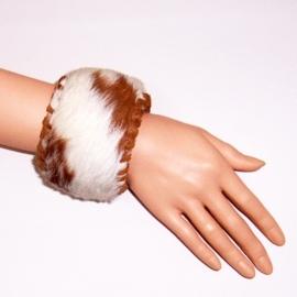 CHARELLE leren bohemian armband met koeienhuid size L