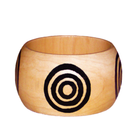 BANGLE GREATNESS | 4,8 cm brede houten armband met West-Afrikaans Adinkra Symbool
