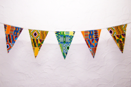 Afrikaanse vlaggenlijn KENTE MULTI | slinger met vlaggetjes van Wax Print stof  | 4 meter