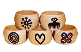 BANGLE GREATNESS | 4,8 cm brede houten armband met West-Afrikaans Adinkra Symbool