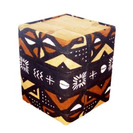 BAMBARA bijzettafel van bogolan mud cloth en hout 41x41