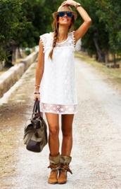 GYPSY LONGTOP van elastische kant | Ibiza top in gebroken wit | maat 36-38