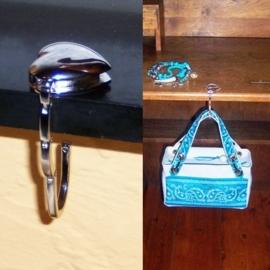 TASHANGER   om je tas op te hangen & een sieraad aan je tas