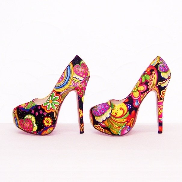 FLOWER POWER pumps maat 38 zwart (#3) bloemenprint