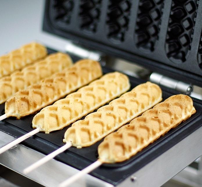 vers gebakken lollywafel: het wafelkraam aan huis