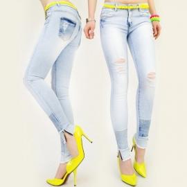 Lichte stretch spijkerbroek met gaten en studs
