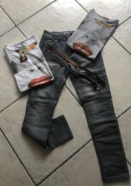 Setje antraciet jeans met T-shirt