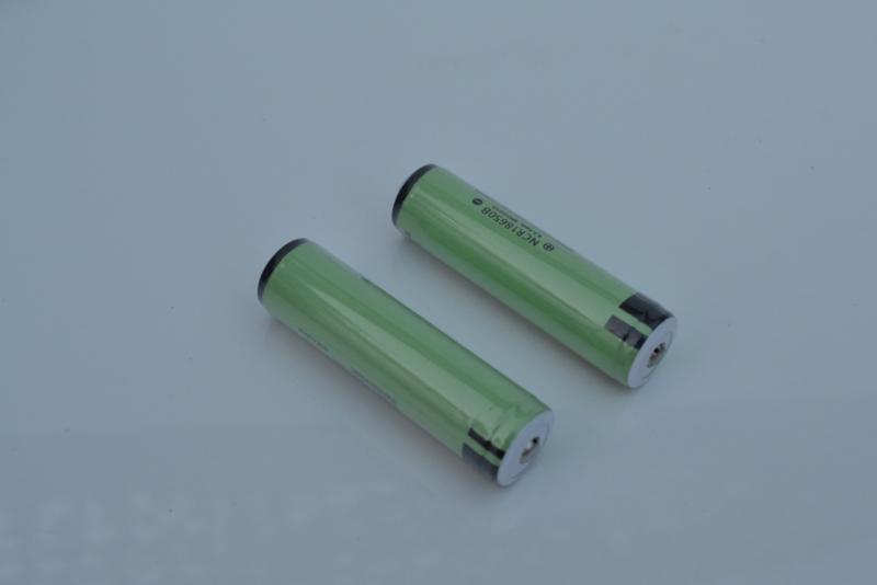 2 x BAK 18650 2200 mah batterijen