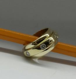 Gouden ring met diamant en as