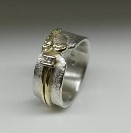 Aanpassing gouden ring met diamant
