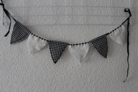 Vlaggetjeslijn wit/zwart