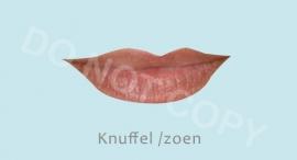 Knuffel / Zoen - J
