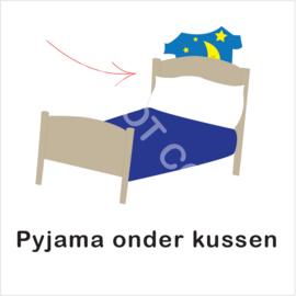 BASIC - Pyjama onder kussen