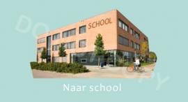 Naar school - M