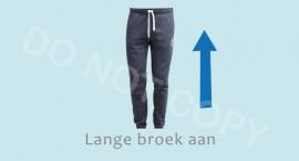 Lange broek aan - J