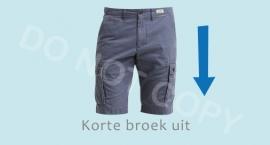 Korte broek uit - J