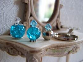 BL-02 Schitterende blauwe parfumflesjes 2