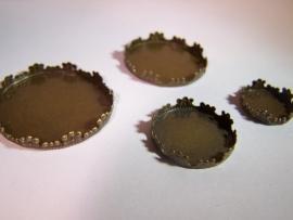 Bronskleurig rond met barok rand (CHRBB)