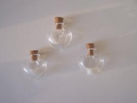 GFV-08 Hartvormig flesje (2,5x2,2cm)