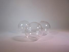 Glazen kraal met twee gaatjes 25mm