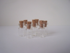 GFK-03GH Heel fijn, klein flesje (1,8x0,9cm)