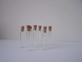 GFK-08 Lange, dunne fles (3x0,7cm)